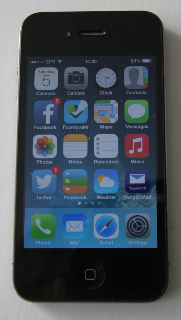 iPhone 4 with iOS7